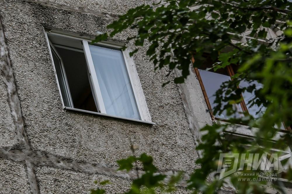 ВДзержинске 4-летняя девочка выпала изокна