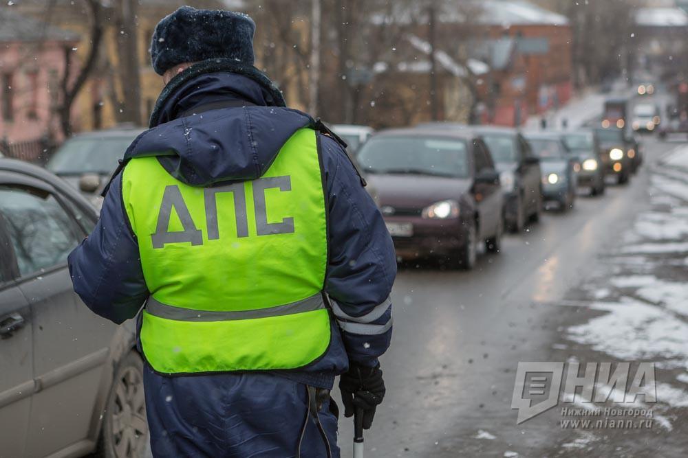 Авто сбило 2-х полицейских вформе напереходе вНижегородской области
