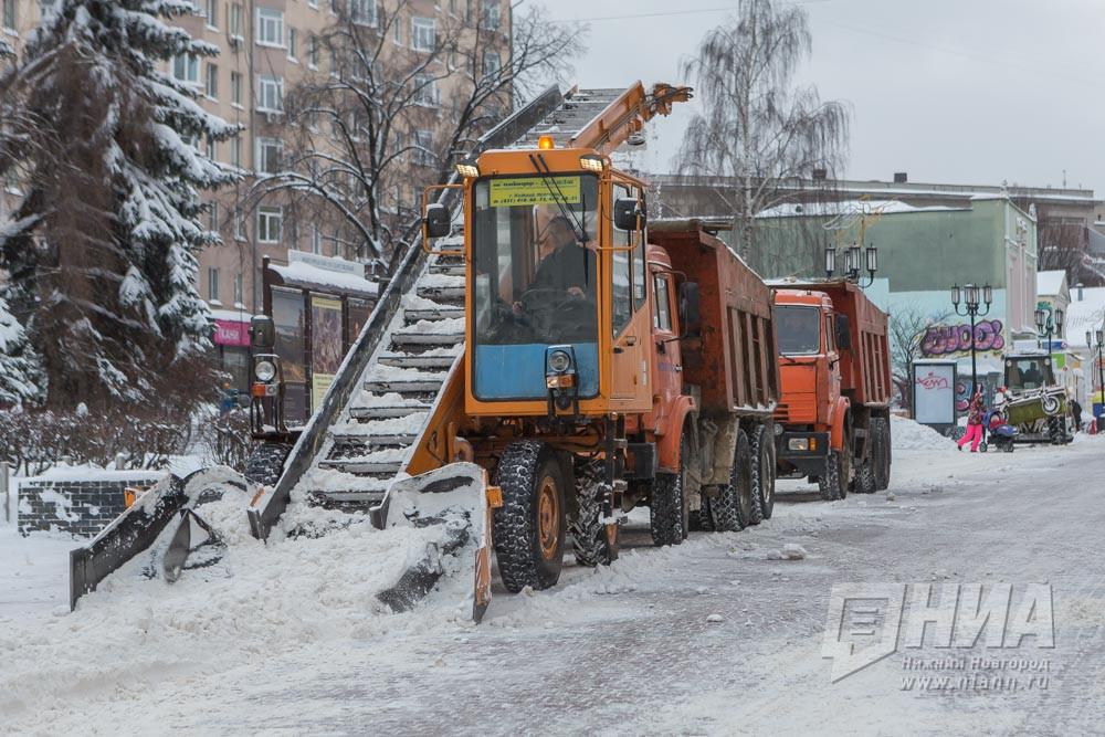 Науборку дорог Нижнего Новгорода выделят около 1 млрд руб.