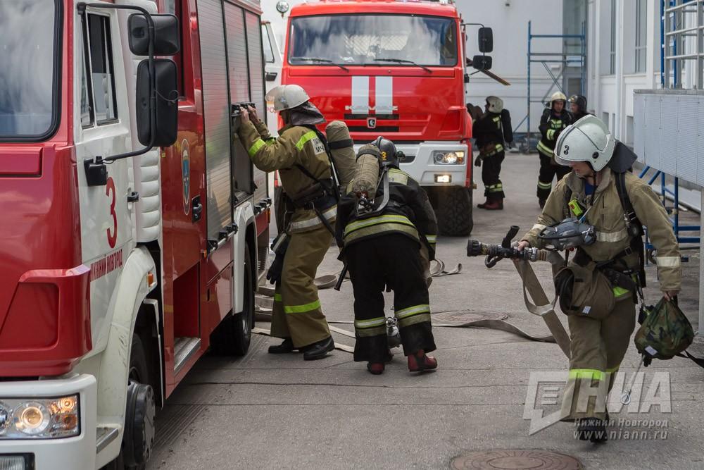 Молодая женщина стремя детьми пострадала впожаре вСоветском районе