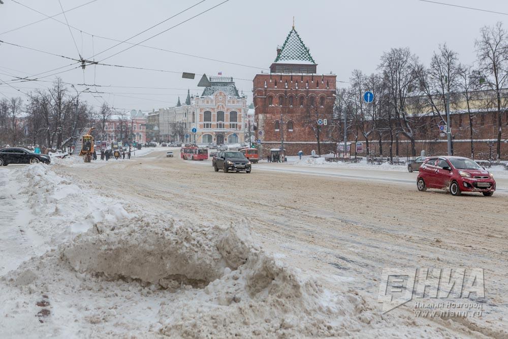 Снегоуборочная техника вНижнем Новгороде работает вусиленном режиме