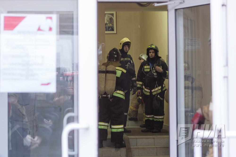 Нижегородские пожарные спасли изогня двоих курильщиков 17января