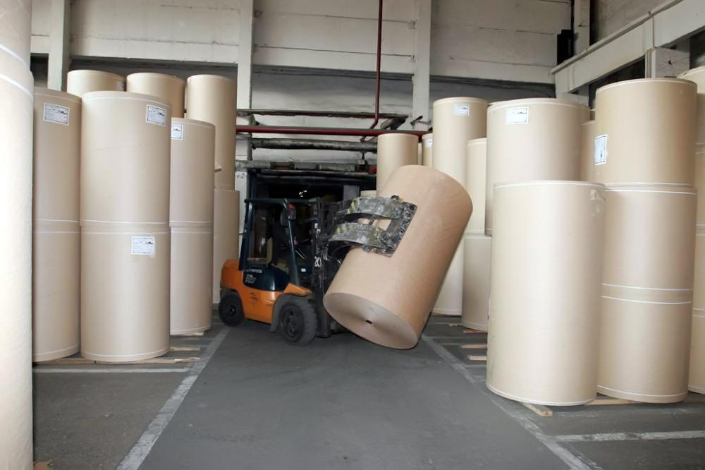 ВБалахне работницу склада придавило рулоном бумаги весом практически две тонны