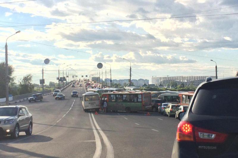 Шофёр умер при лобовом столкновении 2-х иномарок вАрзамасском районе Нижегородской области