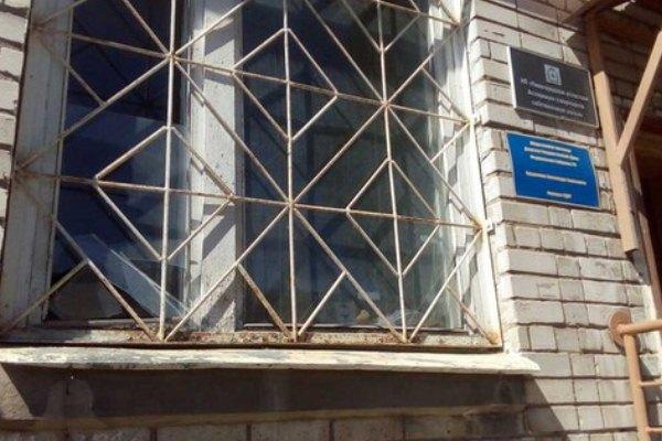 Неизвестные выбили стекла вприёмной НРО ЛДПР вСоветском районе Нижнего Новгорода