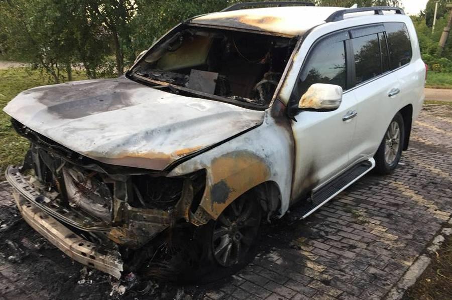 Автомобиль и.о. руководителя администрации Канавинского района сожгли ночью