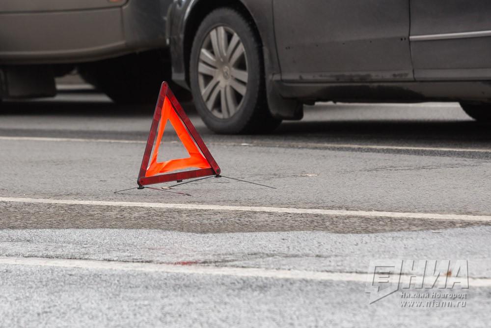 Шофёр иномарки умер, протаранив три автомобиля на стоянке вСарове