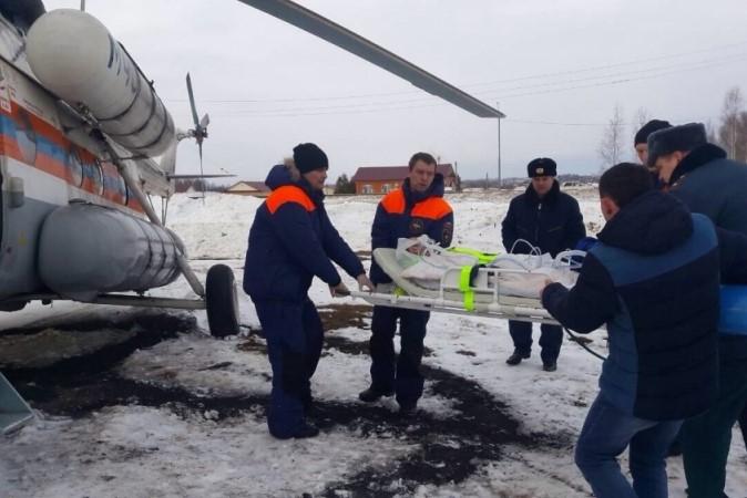 Вертолёт МЧС доставил в Нижний Новгород пострадавшего при пожаре мужчину из Шаранги