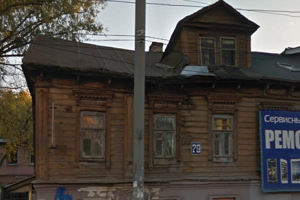 Нижегородская прокуратура внесла представление ДУКу из-за обрушения кровли аварийного дома на ул. Б.Печёрской, 79