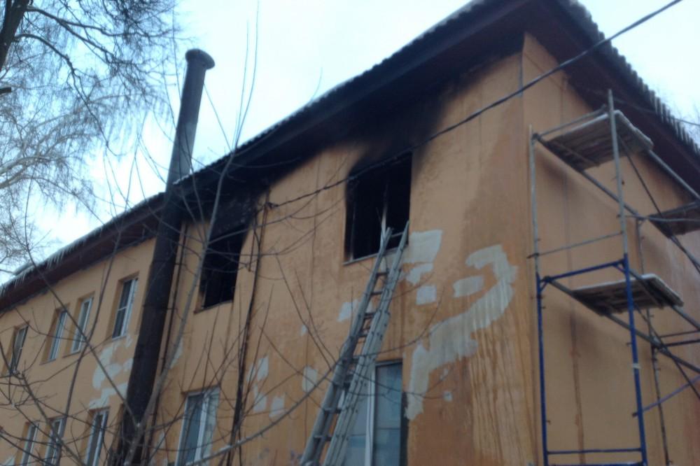 Отец троих погибших на пожаре в Афонино в Нижегородской области детей предстанет перед судом