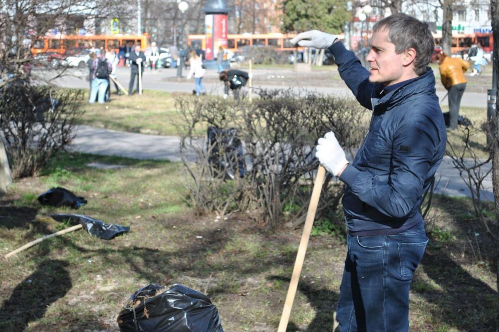 Мэр Нижнего Новгорода Владимир Панов принял участие в общегородском субботнике