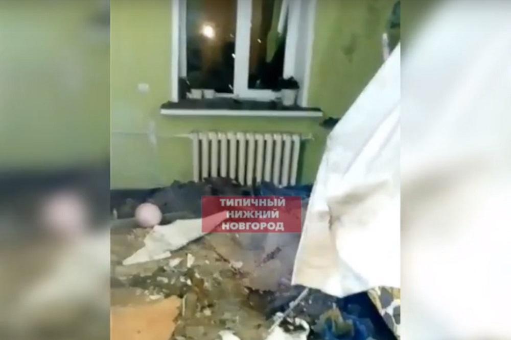 Крыша дома частично рухнула на пр.Гагарина в Нижнем Новгороде