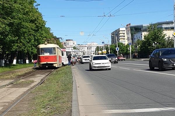 Трамвай сошел с рельсов в Сормовском районе Нижнего Новгорода 24 мая