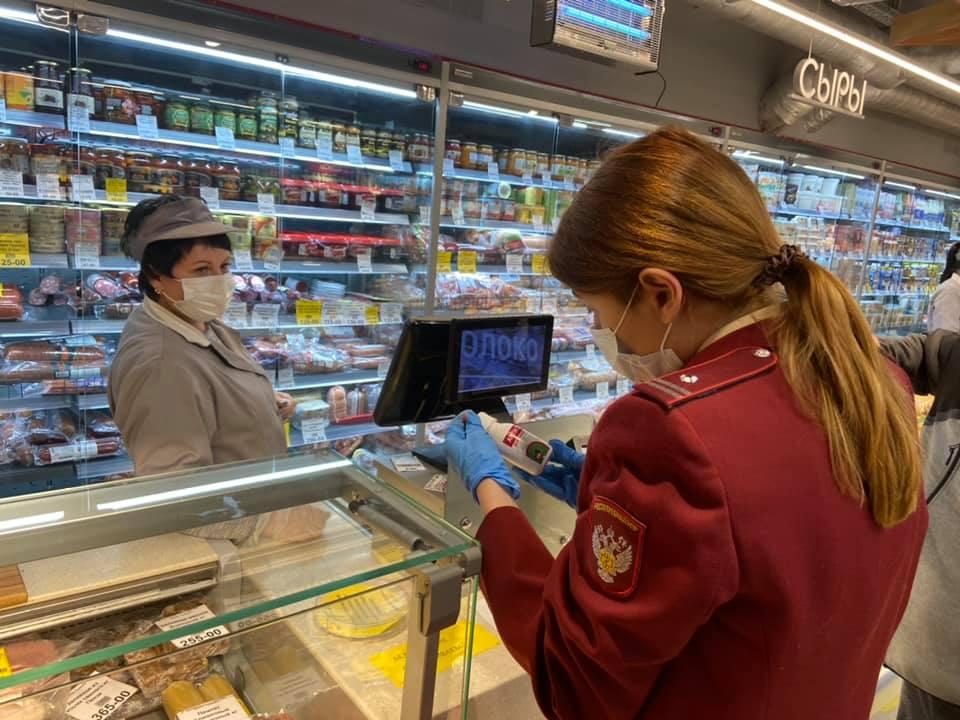 Три нижегородских магазина закрыли после проверок из-за COVID-19