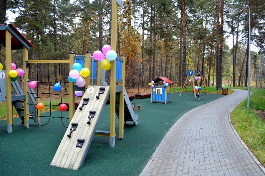 """""""Т Плюс"""" установила детскую площадку в парке """"Утиное озеро"""" в Дзержинске"""